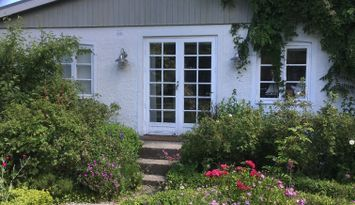Charming cottage five minutes from the sea