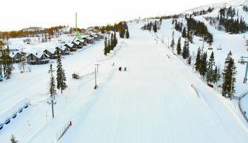 Nybyggd på absolut bästa ski-in/läge i backen