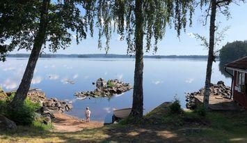 Ulfsnäs - Strandhus på ostörd udde vid Rusken