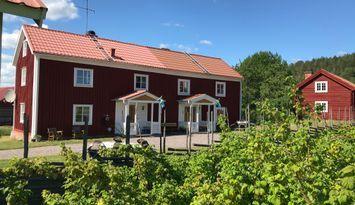 Cottages in landschaftlich schöner Umgebung