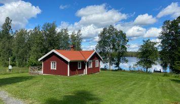 Stuga vid sjö uthyres i Asa, Lammhult  Småland