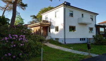 Havsnära villa i Långedrag