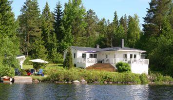 Annika´s hus - Sjöläge-Roddbåt-Kanot-Brygga