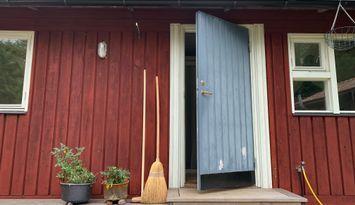 Mysig stuga i Senneby (Väddö) nära havet.