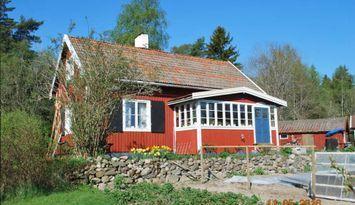idylliskt hus nära Nyköping