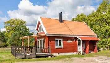 Mysig stuga för bad och fiske, nära Västervik